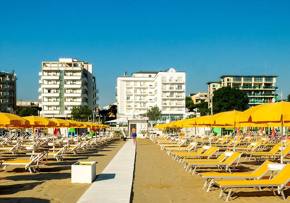 Hotel Rimini Con Spiaggia Privata Bagno 32 Hotel Continental Rimini