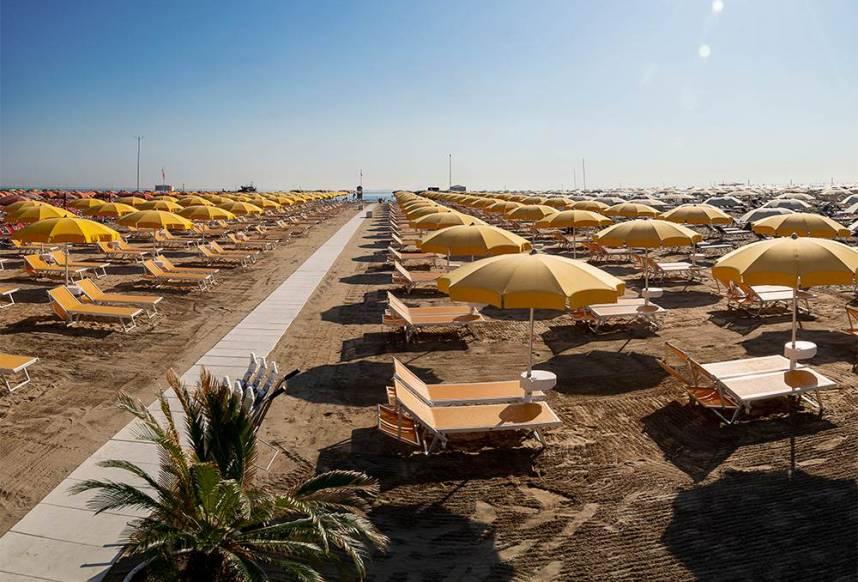 spiaggia 32 hotel rimini continental