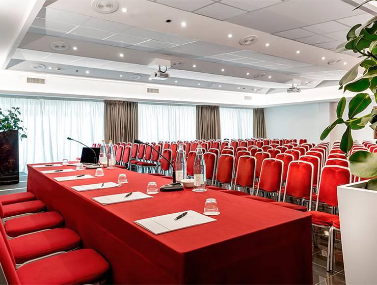 Teatro Galli Room<br>220-seat setup